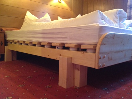 reinstadler tennisballbett. Black Bedroom Furniture Sets. Home Design Ideas